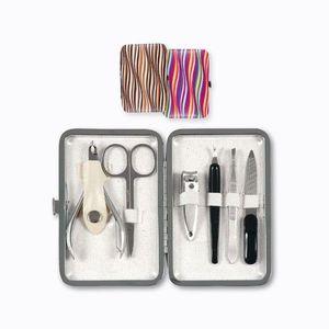 Nástroje na manikúru a pedikúru vyobraziť